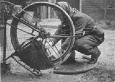 Freddie repareert lekke band